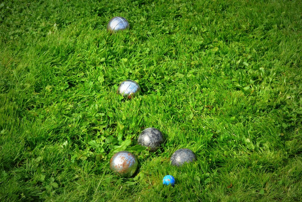 Zorg-dat-dit-sportmateriaal-klaarstaat-in-het-tuinhok-voor-een-spelletje-in-eigen-tuin-1